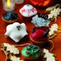 Creepy cup cakes