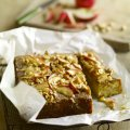 Apple cake with hazelnut caramel topping