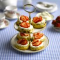 Classic scones with strawberries & cream