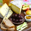 Cheese & beetroot ploughman's