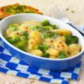 Baked gnocchi with broccoli