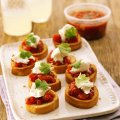 Toasted bruschetta with salsa & mozzarella