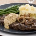 Sirloin steaks with shallot & horseradish cream sauce