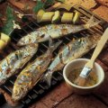 Barbecued herring with fresh fruit