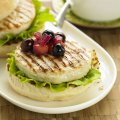 Turkey burgers with apple & blueberry relish