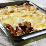 Traditional family-friendly lasagne
