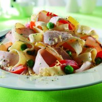 Turkey tagliatelle with lemon, peppers & peas