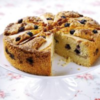 Pear & blueberry cake
