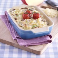 Macaroni cheese with mushrooms & leeks