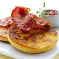 Eggy bread muffins with bacon