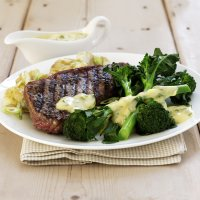 Steak with Bellaverde & basil Hollandaise sauce