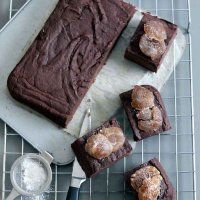 Aldo Zilli's sugared chestnut & coffee cake