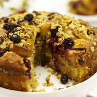 Apple & granola crumble cake
