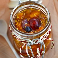 Mostarda French glace cherry chutney