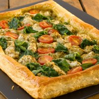 Chicken, pesto & spinach puff pastry open tart